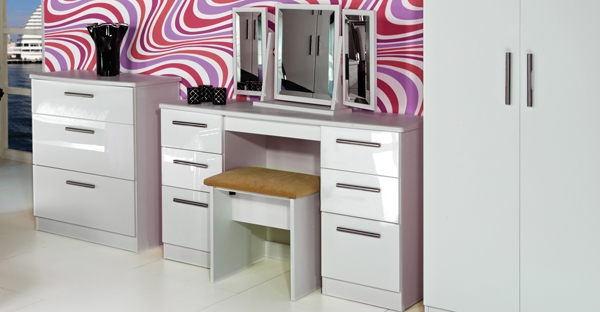 Knightsbridge Bedroom Furniture Black Gloss Amp White