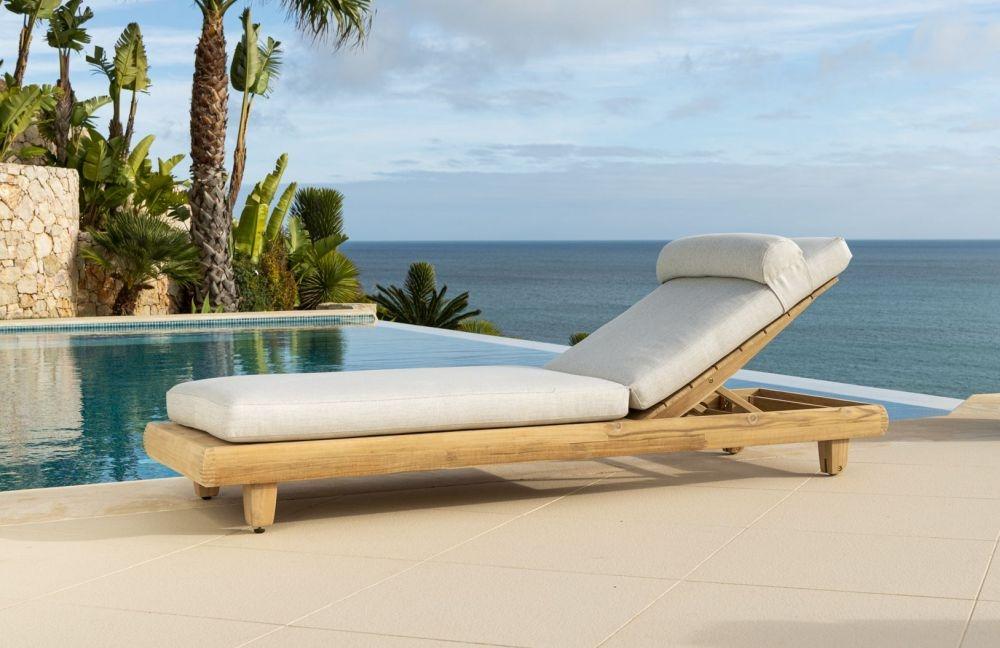 Alexander Rose Sorrento Sunbed with Cushion