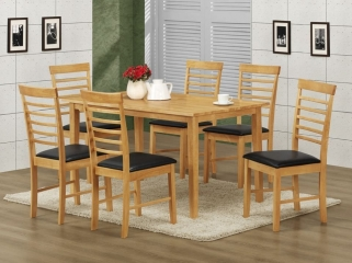 Hanover Light Oak Dining Table and 6 Chairs
