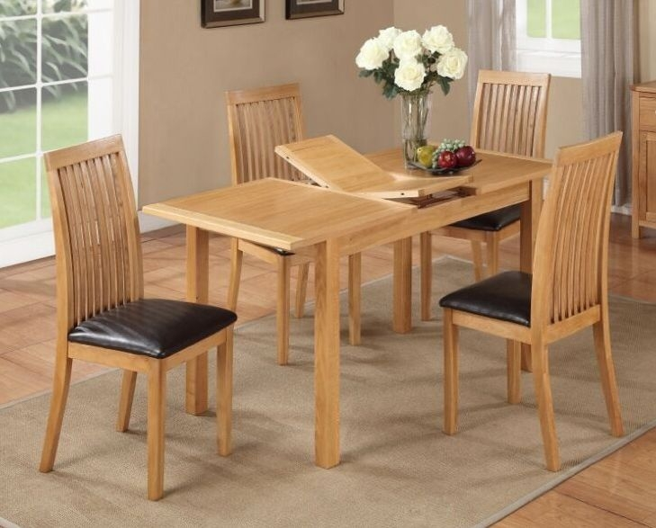 Hartford City Oak Butterfly Extending Dining Table
