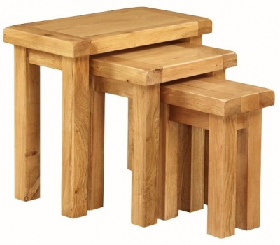 Somerset Oak Nest of 3 Tables