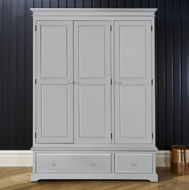 Suffolk Dove Grey Triple Wardrobe - 3 Door 2 Drawer