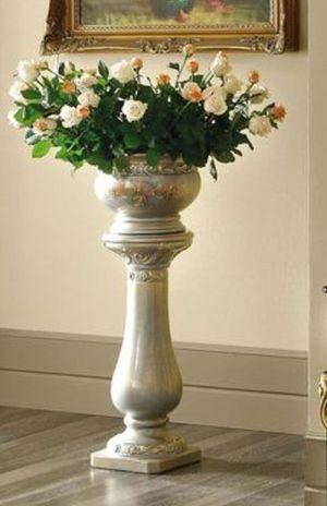 Camel Barocco Italian Goccia Silver with Flowers Column with Vase
