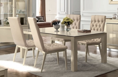 Camel La Star Day Ivory Italian Extending Dining Table and Capitonne Chairs