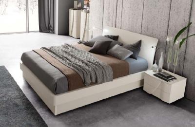 Camel Luna Night White Ash Italian Eclisse Bed