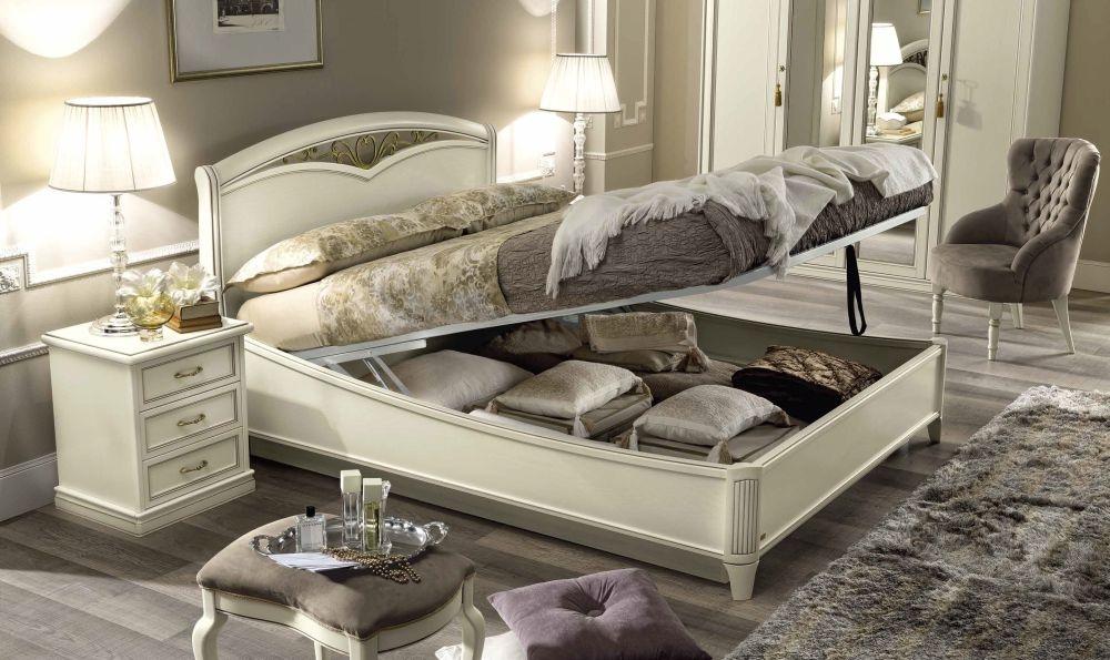 Camel Nostalgia Bianco Antico Curvo Fregio Ring Bed with Storage