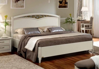Camel Nostalgia Ricordi Night Curvo Fregio Ring Bed with Storage