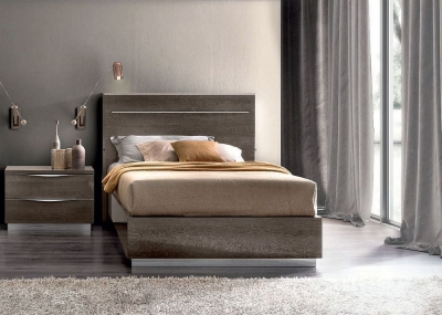 Camel Platinum Night Italian Legno 4ft 6in Bed with Luna Storage