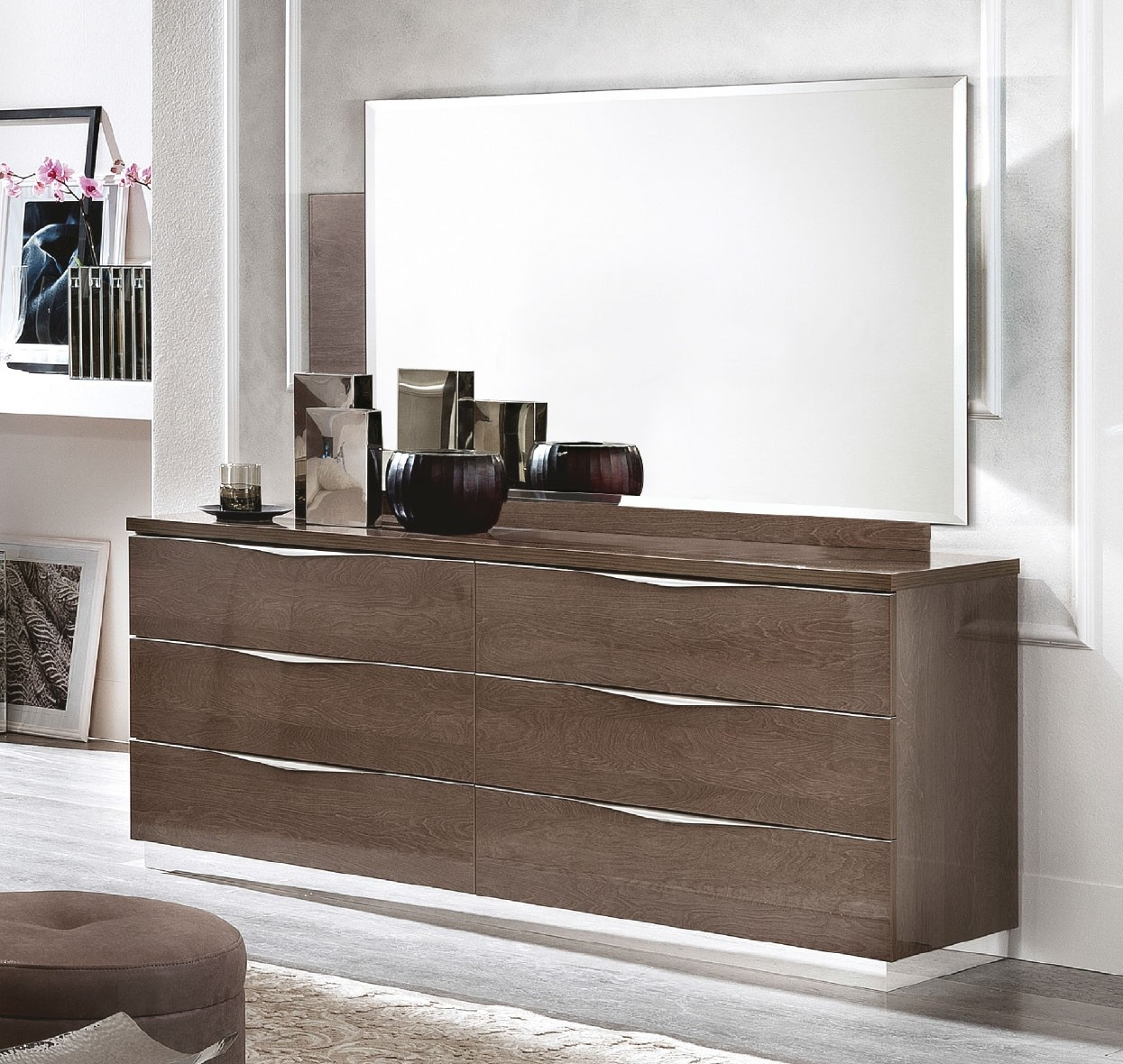 Camel Platinum Night Italian 6 Drawer Dresser