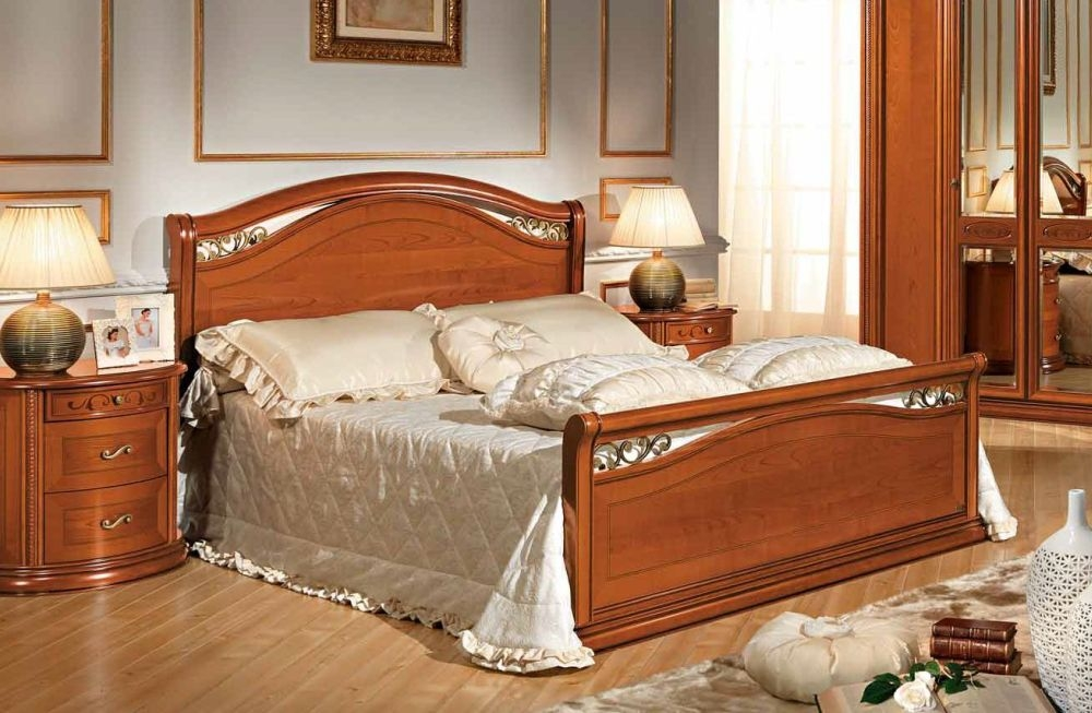 Camel Siena Night Cherry Wood Italian Legno Bed with Footboard