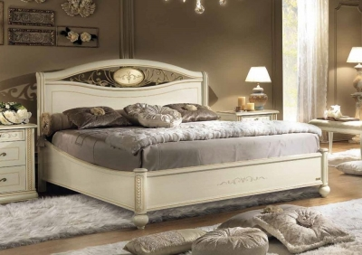 Camel Siena Night Ivory Italian Ferro Ring Bed