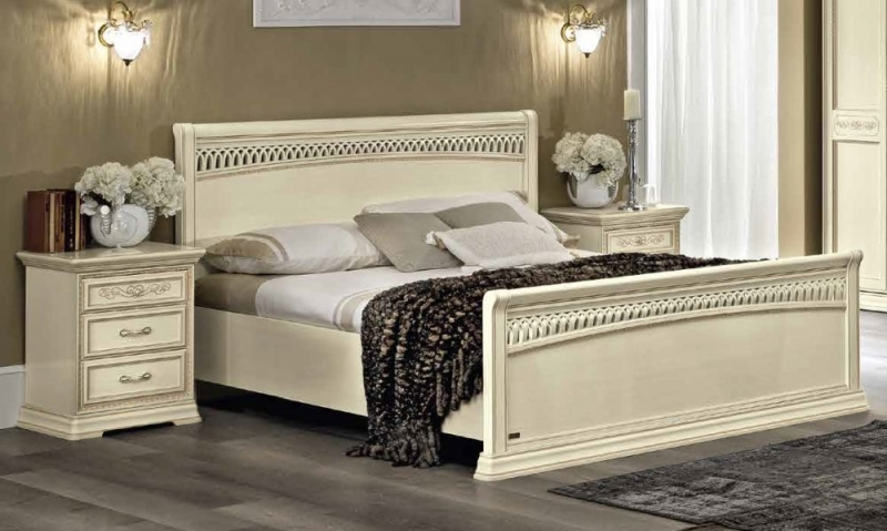 Camel Torriani Night Titian Ivory Italian Bed with Footboard