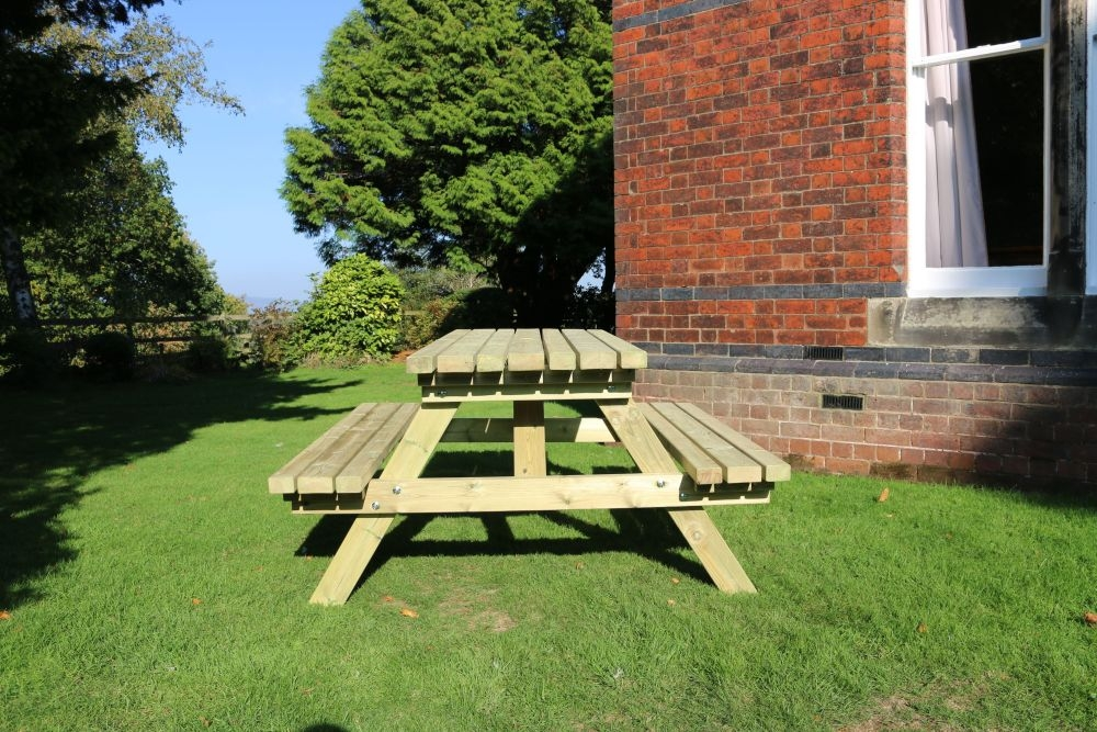 Churnet Valley Deluxe Picnic Table Set with 2 Benches