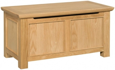 Devonshire Siena Oak Blanket Box