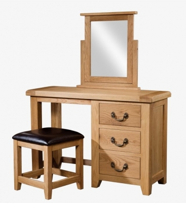Devonshire Somerset Oak Dressing Set
