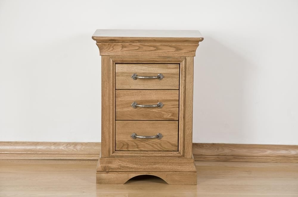 Bordeaux Solid Oak 3 Drawer Bedside Cabinet