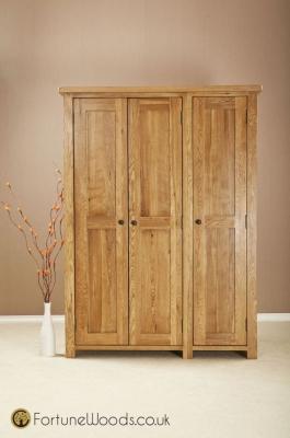 Cotswold Oak Wardrobe - 3 Door Full Length