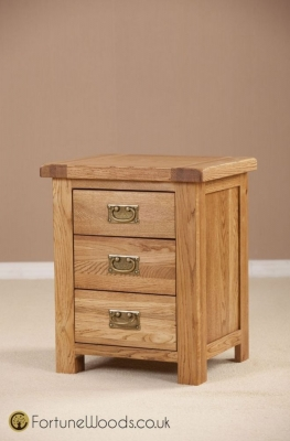 Country Oak Bedside Cabinet - 3 Drawer
