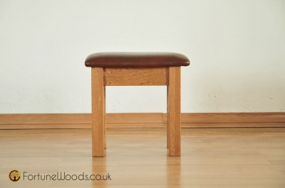 Country Oak Dressing Stool