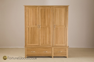Milano Oak Wardrobe - 3 Door 2 Drawer