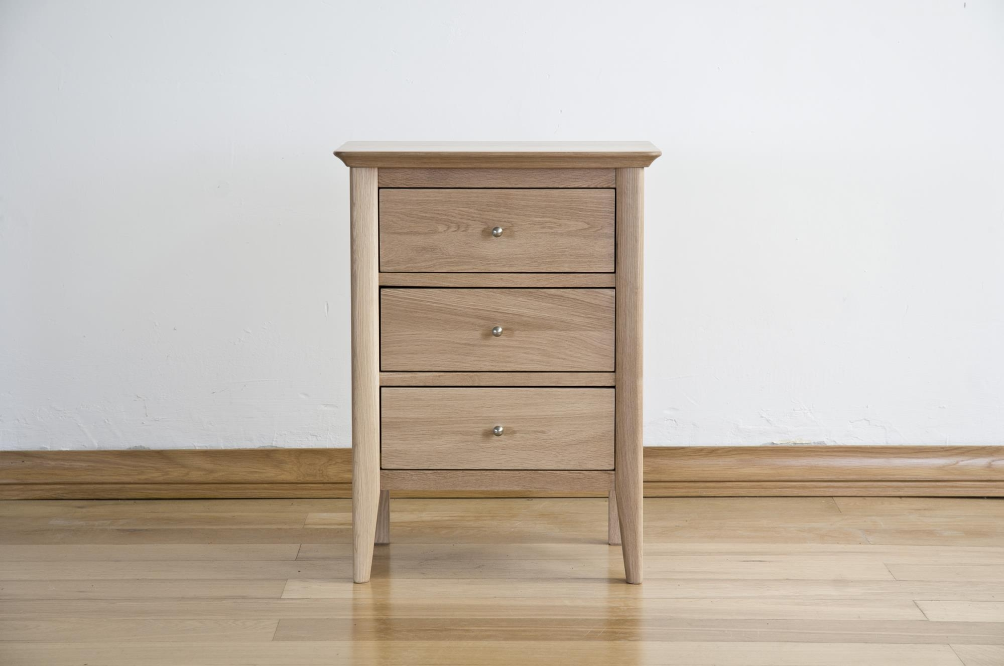 Sorrento Solid Oak 3 Drawer Bedside Cabinet