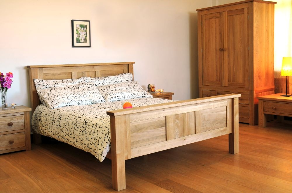 Tavistock Oak Bedroom Set