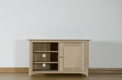 Toulouse Oak TV Cabinet