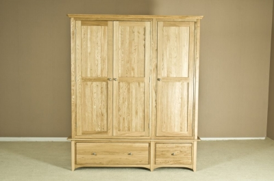 Tuscany Oak Wardrobe - Triple with Drawer