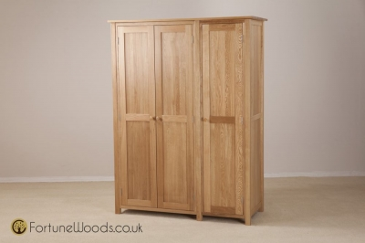 Windsor Oak Wardrobe - 3 Door Full Length