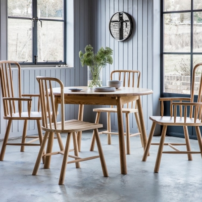 Frank Hudson Wycombe Oak Dining Set - Round Extending with 4 Chairs