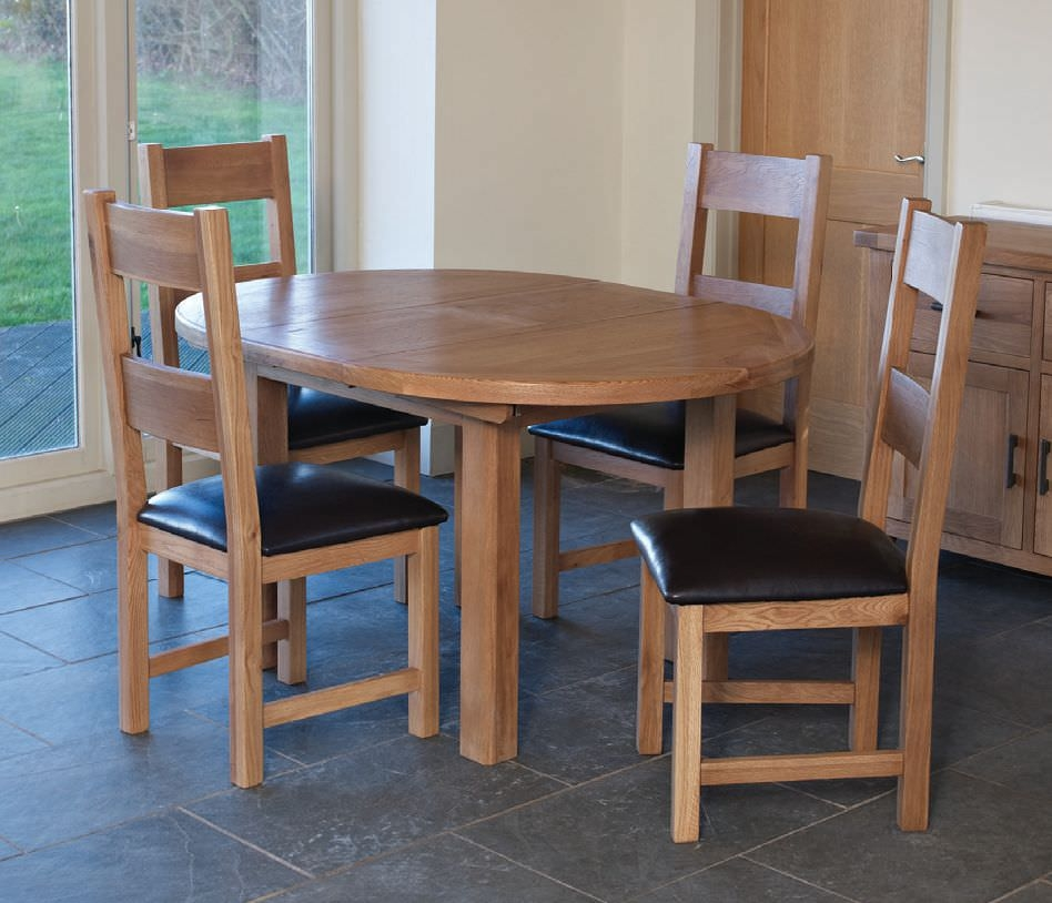 Hampshire Oak Round Extending Dining Set with 4 Padded Seat Chairs - 107cm