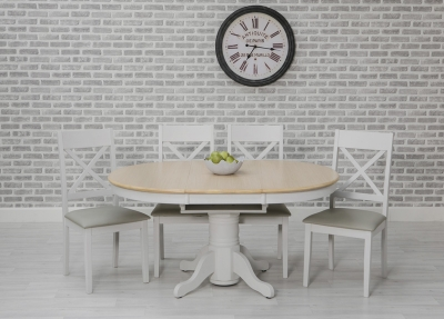 Ohio Painted Oval Extending Dining Table and 4 Chairs