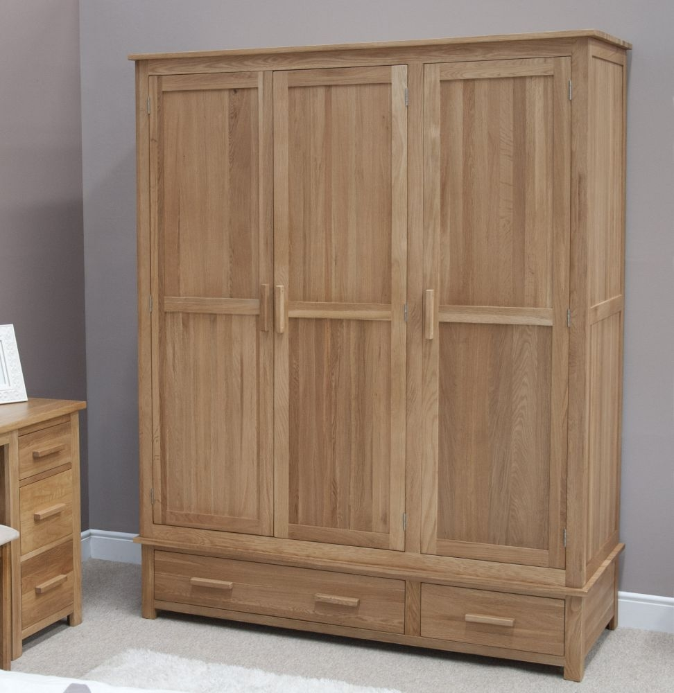 Homestyle GB Opus Oak 3 Door 2 Drawer Triple Wardrobe