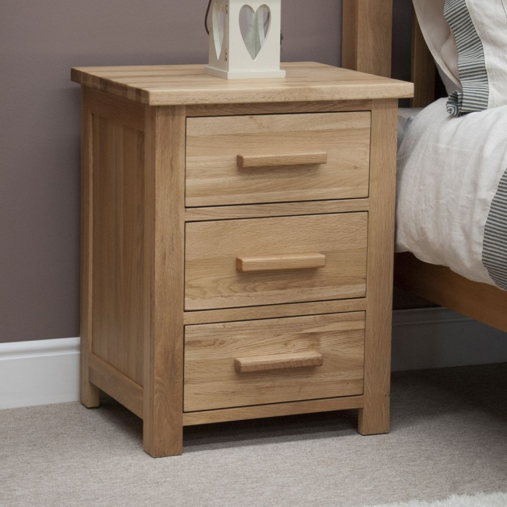 Homestyle GB Opus Oak Bedside Cabinet - 3 Drawer