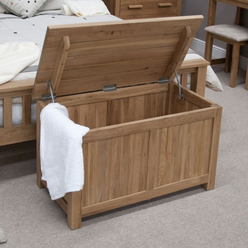 Homestyle GB Opus Oak Blanket Box