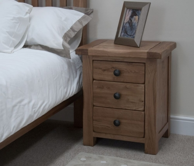 Homestyle GB Rustic Oak Bedside Cabinet