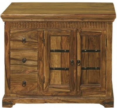 Thacket Medium Sideboard