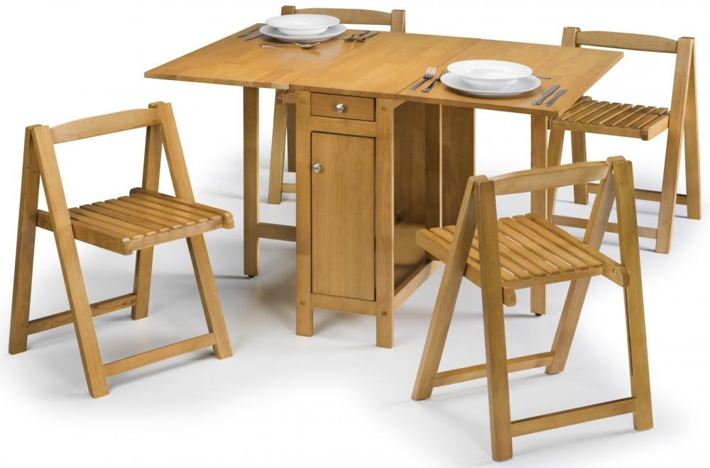 Julian Bowen Savoy Light Oak Dining Set