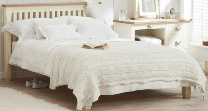 Mark Harris Sandringham Bed - Oak and Cream