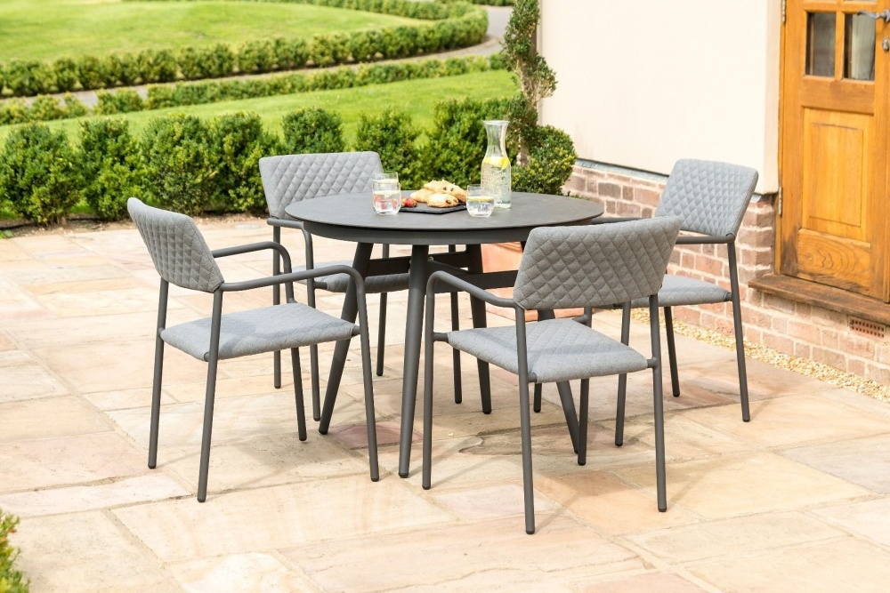 Maze Lounge Outdoor Bliss Flanelle Fabric 4 Seat Round Dining Set
