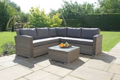 Maze Rattan Victoria Small Corner Group
