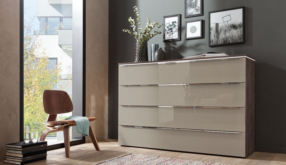 Nolte Alegro Style Imitation Macadmia Nutwood with Brown Velvet Glass 4 Drawer Chest with Wooden Top Board - W 120cm