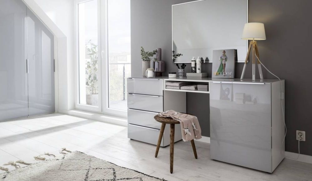 Nolte Alegro Style Silk Grey with Glass Silk Grey 1 Door 4 Drawer Right Hand Facing Chest with Glass Top Board - W 180cm