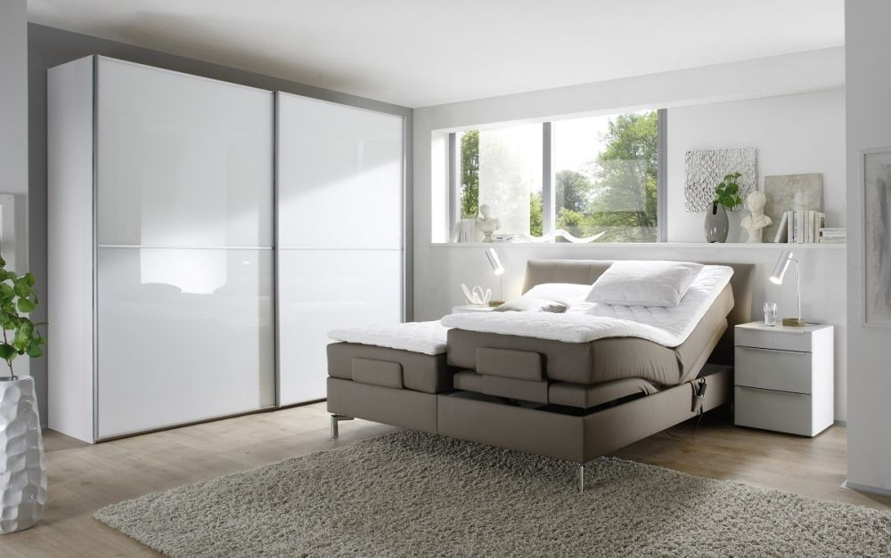 Nolte Attraction Version 3B Sliding Wardrobe with Glass Front