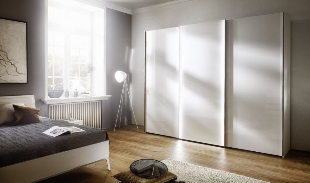 Nolte Columbus Panorama Sliding Wardrobe with Wooden Front