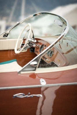 RV Astley Speedboat Printed Glass Image