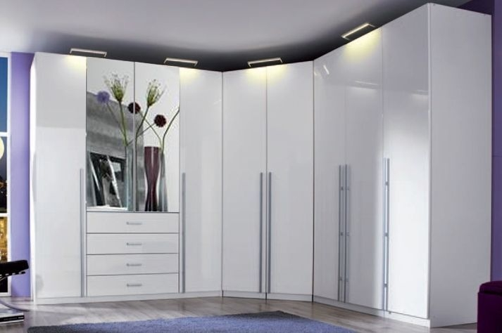 Rauch Elan H Folding Wardrobe with Mirror Front and Aluminium Handle Bar - Panorama Appearance Starter Unit