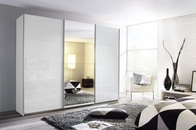 Rauch Kulmbach Sliding Wardrobe with High Polish Front