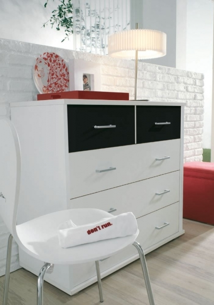 Rauch Plus 2 Alpine White 3+2 Chest of Drawer with Black Glass Top 2 Drawer