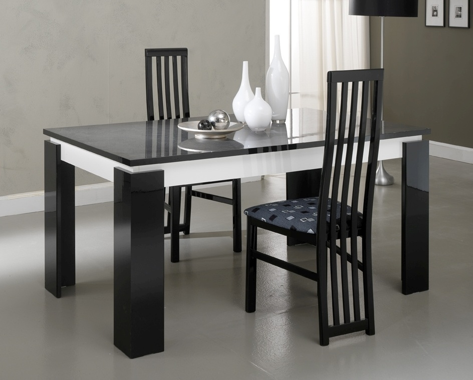 Vita Luxury Black and White Italian Extending Dining Table and 4 Chair